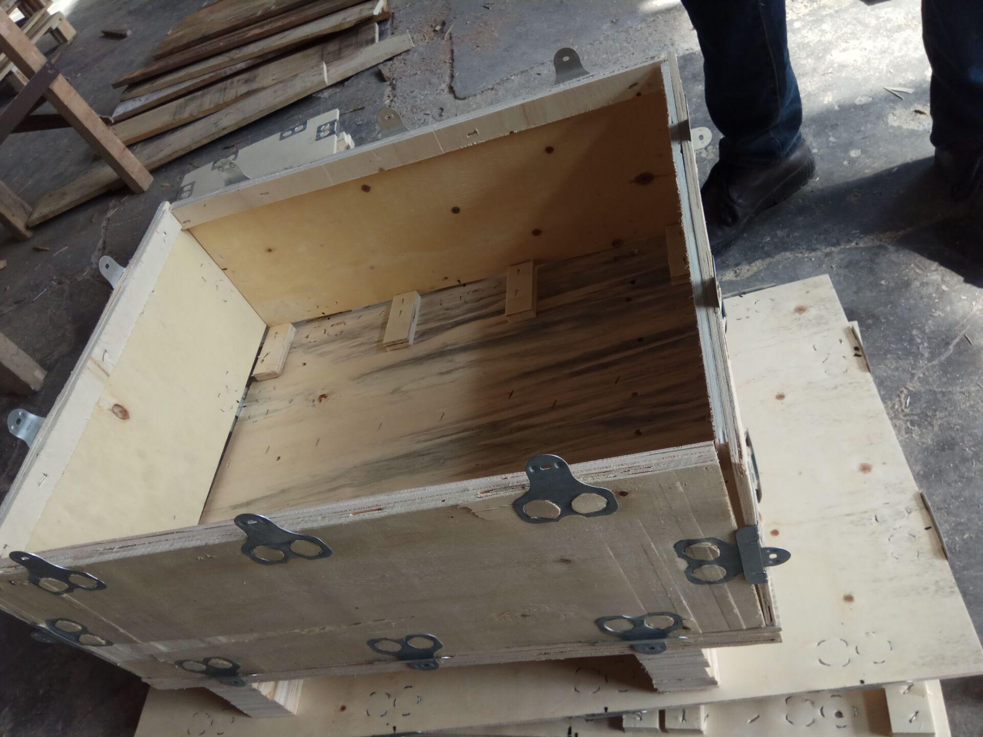 小型卡扣木箱—可拆御钢扣箱