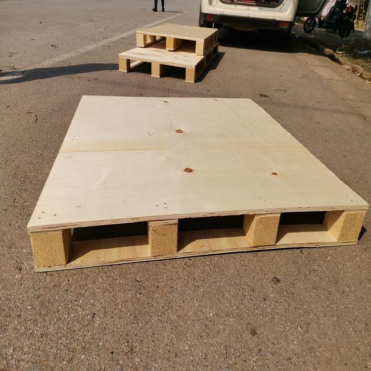 木屑脚块的出口木托盘定制—时开木栈板生产厂家
