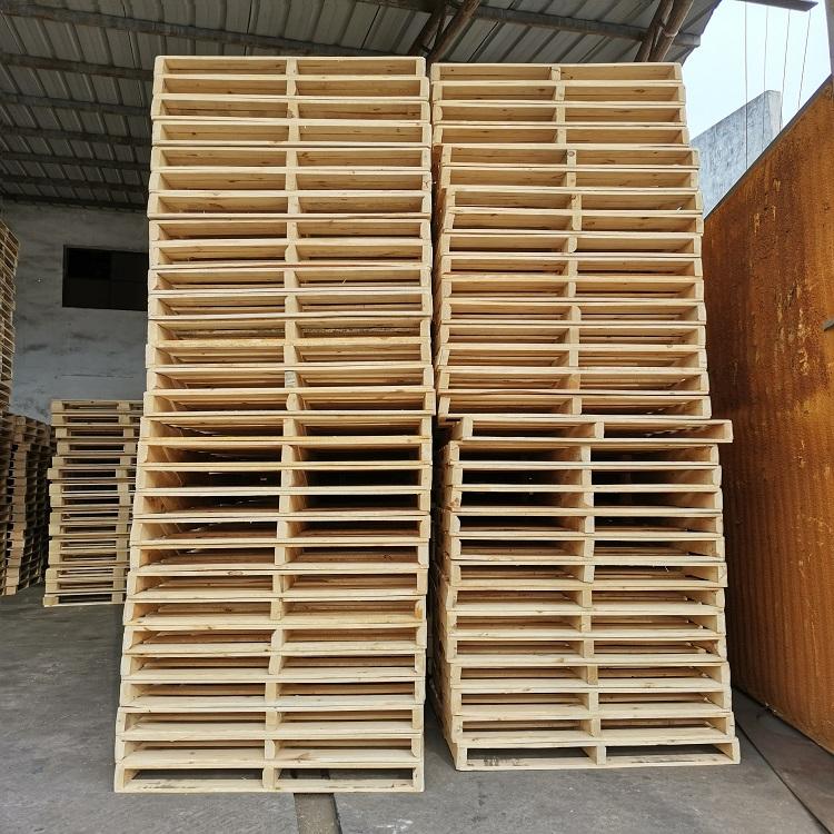 叠高的木托盘参考图